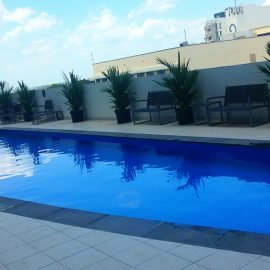 Oaks Elan Darwin swimming pool